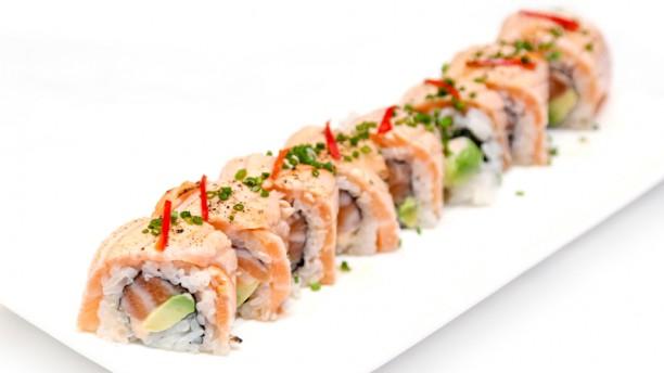 Sakura Teppanyaki California saumon mi-cuit