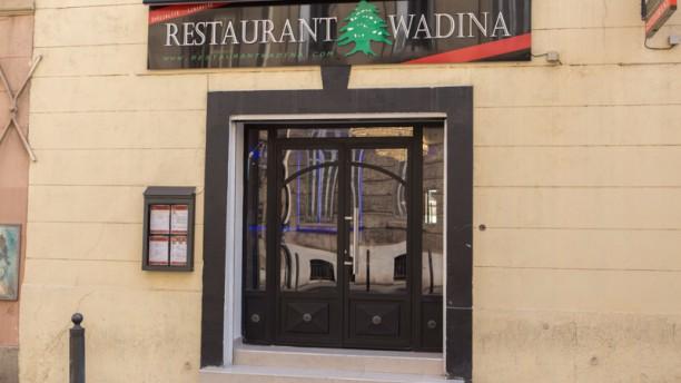 Wadina Devanture