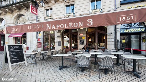 Café Napoléon III devanture