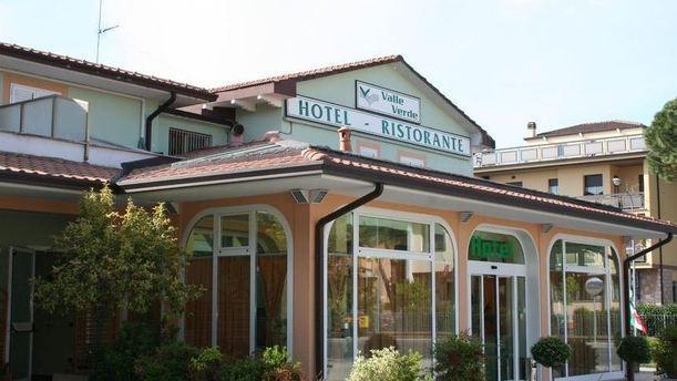 Valleverde facciata ristorante.JPG