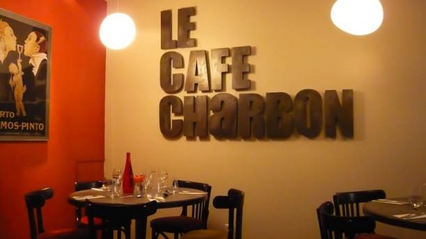 Café Charbon Le Guingois Vue de la salle