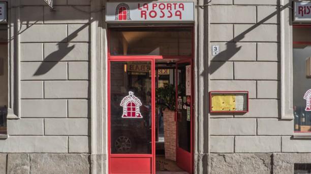 La Porta Rossa Entrata