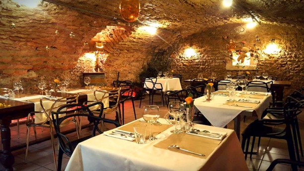 Au Caveau Salle du restaurant