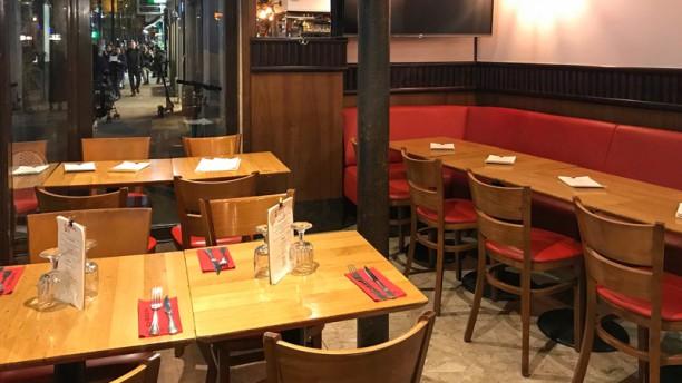 Le Faubourg Café Salle du restaurant