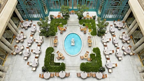 Le First, restaurant boudoir - Hôtel Westin Vue terrasse