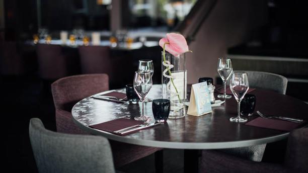 Le Bel M Table 2