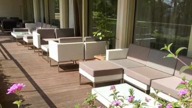 Garden View - Restaurant Holiday Inn Cannes Lounge bar du Garden View