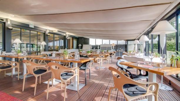 Garden View - Restaurant Holiday Inn Cannes Vue de l'intérieur