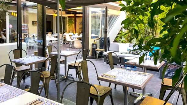 restaurant un jardin en ville marseille 13008 menu avis prix et r servation. Black Bedroom Furniture Sets. Home Design Ideas