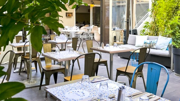 Un jardin en ville restaurant 22 avenue de mazargues for Restaurant le jardin mazargues