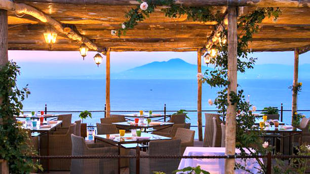 Ziqu Terrace Restaurant Terrazza con vista