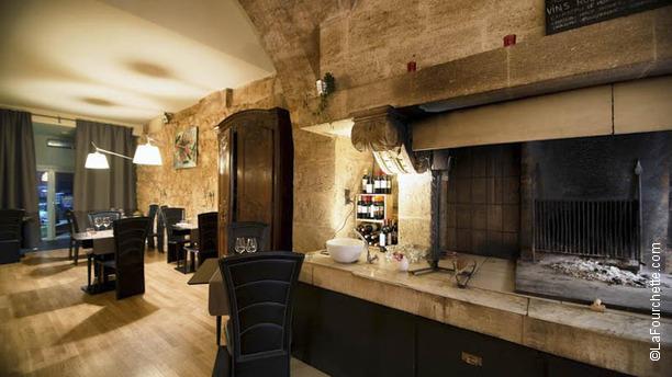 Restaurant La Tour Des Chartrons A Bordeaux 33000 Avis Menu Et Prix