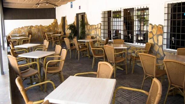"""Restaurante """"Venta La Alegria"""" La terraza"""