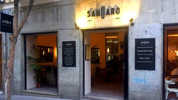 Sahuaro Entrada