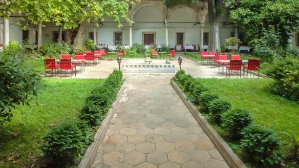 Darüzziyafe The Garden