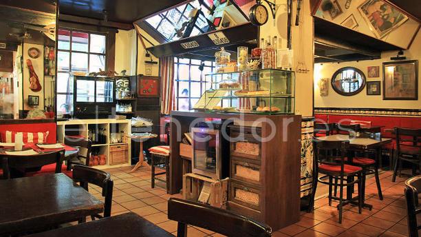 La Taverneta Barcelona vista interior