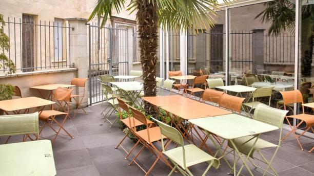 La tour du vieux port in libourne restaurant reviews - La cuisine du monstre tours ...