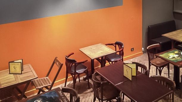Restaurant le castel caf lyon 69006 h tel de ville for Restaurant ville lasalle