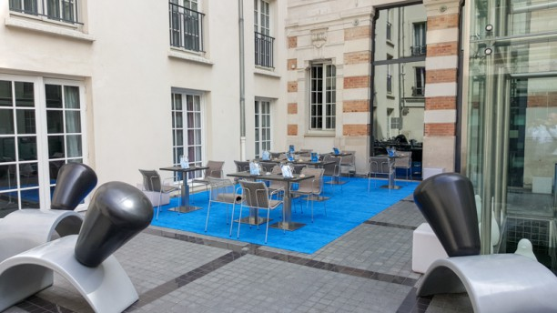 La table du KUBE Terrasse