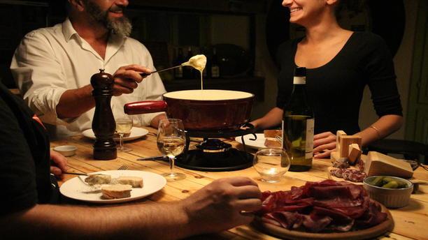 Resto Bar Montchoisi (Tennis Club) Une succulente fondue entre amis