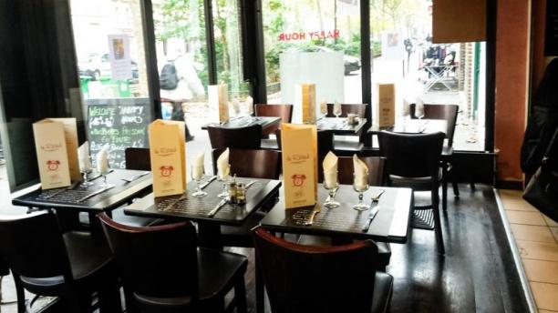 Brasserie Le Réveil terrasse intérieure ouverte l'été