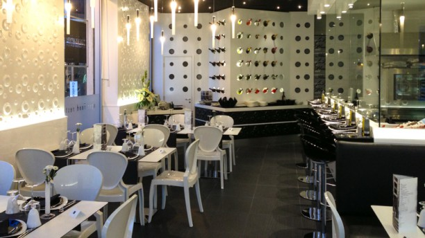 Black White In Bari Restaurant Reviews Menu And Prices