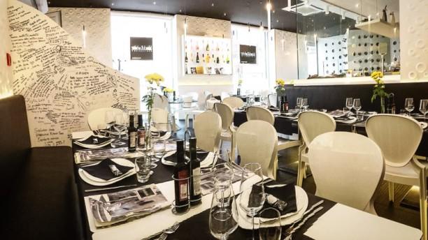 Black & White Sala del ristorante