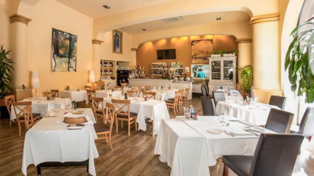 Sandro Restaurante Vista de la sala