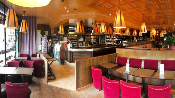 Café le Paris Vue de la salle