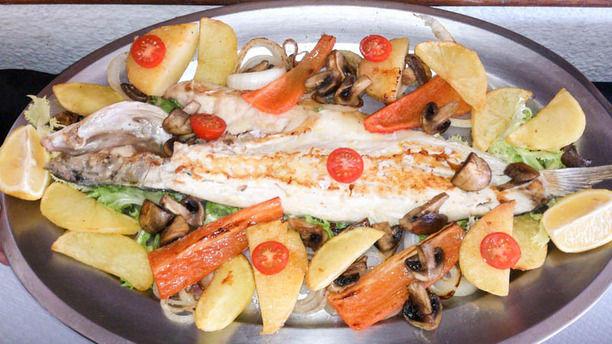 Club Náutico Oliva Plato pescado con verduras
