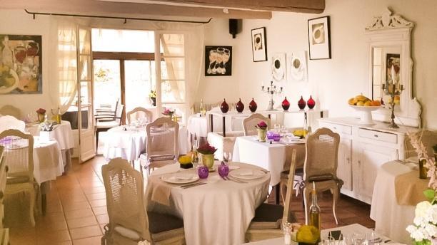 restaurant la table d 39 yvan saint r my de provence 13210. Black Bedroom Furniture Sets. Home Design Ideas