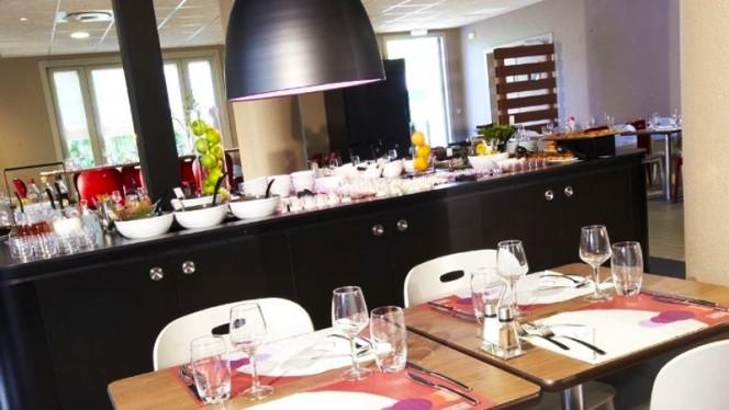 Vue sur le buffet - Campanile Aix Sud Pont de l'Arc, Aix-en-Provence
