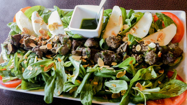 Le Bourgogne Salade de foies de volaille