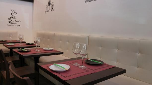 Caronte's Café Sala