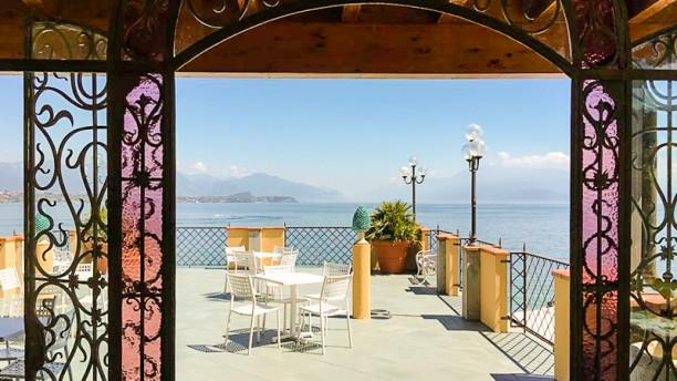Dolcevita Beach Restaurant & Bar Terrazza sul lago