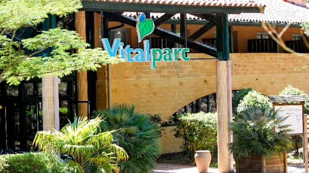 L'authentique Hôtel Vitalparc entrée de l'hôtel restaurant