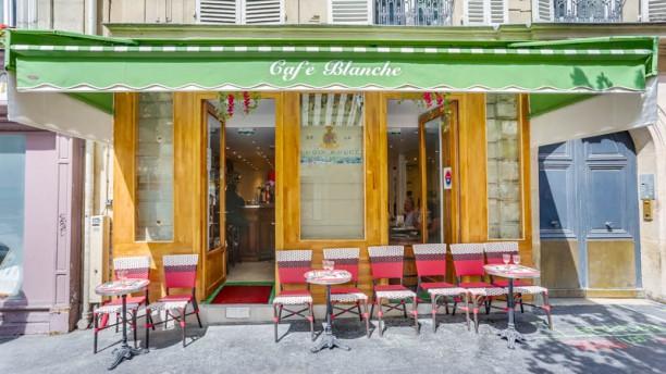 Café Blanche Entrée