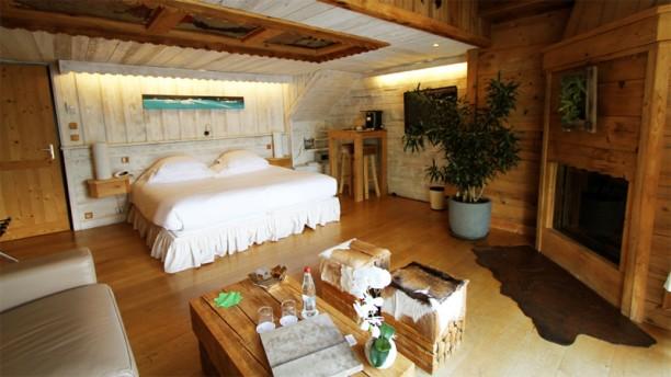 Restaurant h tel restaurant yoann conte bord du lac for Hotel du jardin menu