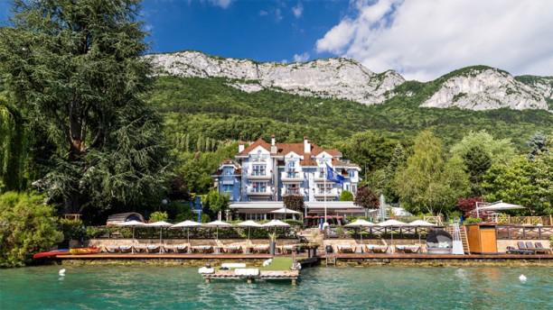 Hôtel Restaurant Yoann CONTE, bord du lac Maison Bleue