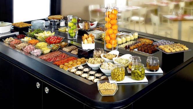 buffet des entrées et des délices - Campanile Bordeaux Le Lac, Bordeaux