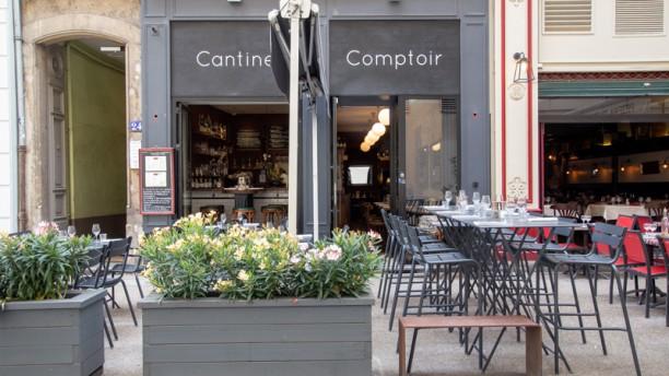 NOSCH Cantine & Comptoir Terrasse