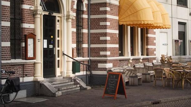 Grand Café Public Ingang