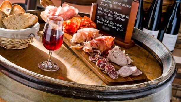 Restaurant Le Chai D 39 Adrien Paris 75003 R Publique