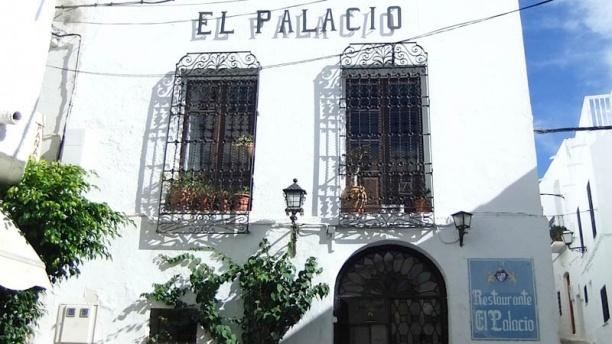El Palacio fachada