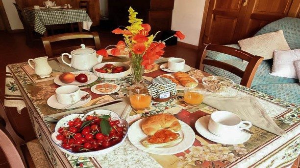 Casale la piaggia Particolare tavolo