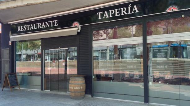 Tabernas Gallegas - La Maquinista Vista entrada
