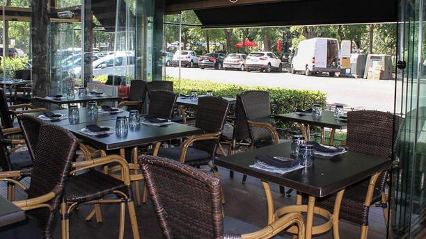 Restaurante cheek en madrid templo de debod moncloa aravaca opiniones men y precios - Bache restaurant terras ...