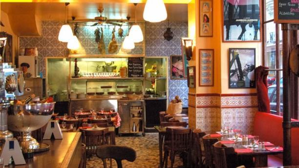 restaurant caves saint gilles paris 3 me 75003 bastille menu avis prix et r servation. Black Bedroom Furniture Sets. Home Design Ideas