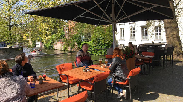 Brasserie Uilenspiegel Brugge Terras aan de reien