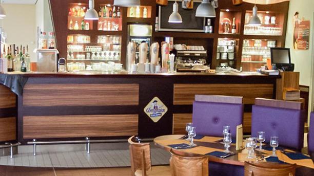 Le comptoir de ma tre kanter restaurant 111 avenue - Comptoir bar cuisine ...